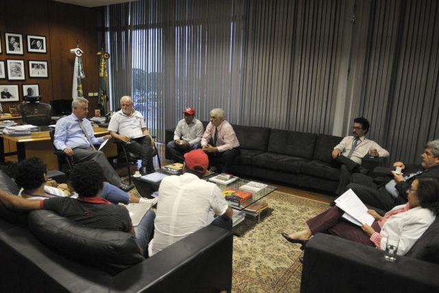 Reunião com representantes do MST ocorreu na tarde desta quarta-feira (6) no Palácio do Buriti. Foto: Nilson Carvalho/Agência Brasília